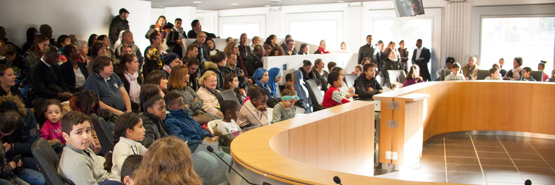 Conseils d 39 enfants ville de cergy - Piscine du parvis cergy ...